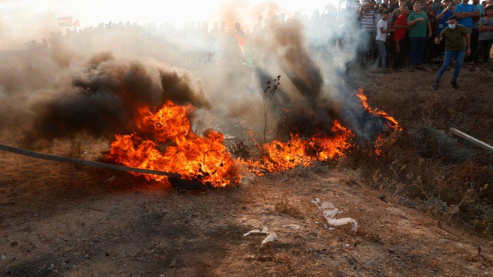 Sammandrabbningar utbröt mellan israeliska styrkor och demonstrerande palestinier vid Gazagränsen.