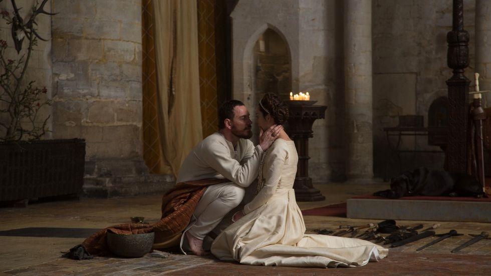 Michael Fassbender som Macbeth och Marion Cotillard som Lady Macbeth.