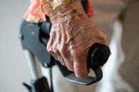 En kvinna har anhållits misstänkt för totalt tretton brott mot äldre och funktionshindrade i östra Göteborg. I fyra fall handlar det om stölder av receptbelagd medicin. Arkivbild.