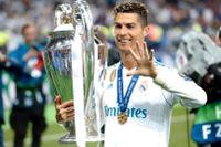 Real Madrids Cristiano Ronaldo lämnar klubben efter nio säsonger för spel i Juventus.