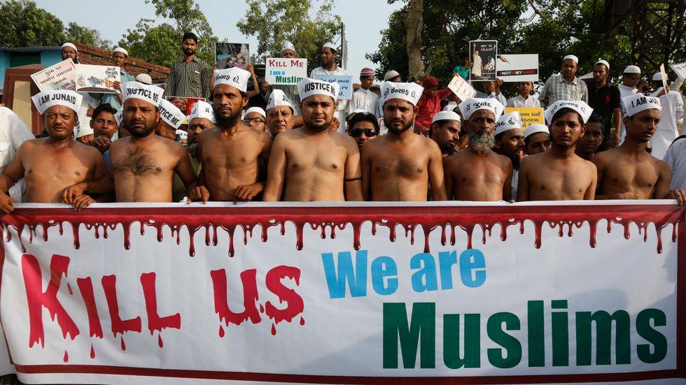 Indier – de flesta muslimer – protesterar mot de våldsamma attacker mot muslimer som eskalerat de senaste åren.
