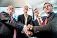 Anders Teljebäck från Västerås, Peter Carlsson, Northvolts vd, Mikael Damberg, närings- och innovationsminister, och Lorents Burman från Skellefteå, under pressträffen om Northvolts batterifabrik, i Stockholm tidigare i höstas.