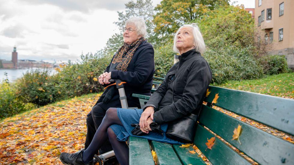 Mona Serenius och Carina Carlsson fortsätter att undvika risker efter rapporterna om minskat skydd.