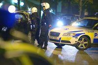 Polisen spärrade i natt av stora delar av Husby efter oroligheterna.