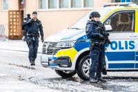 """Förhandlingen i Linköpings tingsrätt hanteras av polisen som en """"särskild händelse"""" och poliser med förstärkningsvapen finns på plats."""