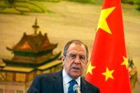 Den ryske utrikesministern Lavrovs hotfulla uttalanden mot Sverige har inte gjort saken lättare för Natomotståndarna.