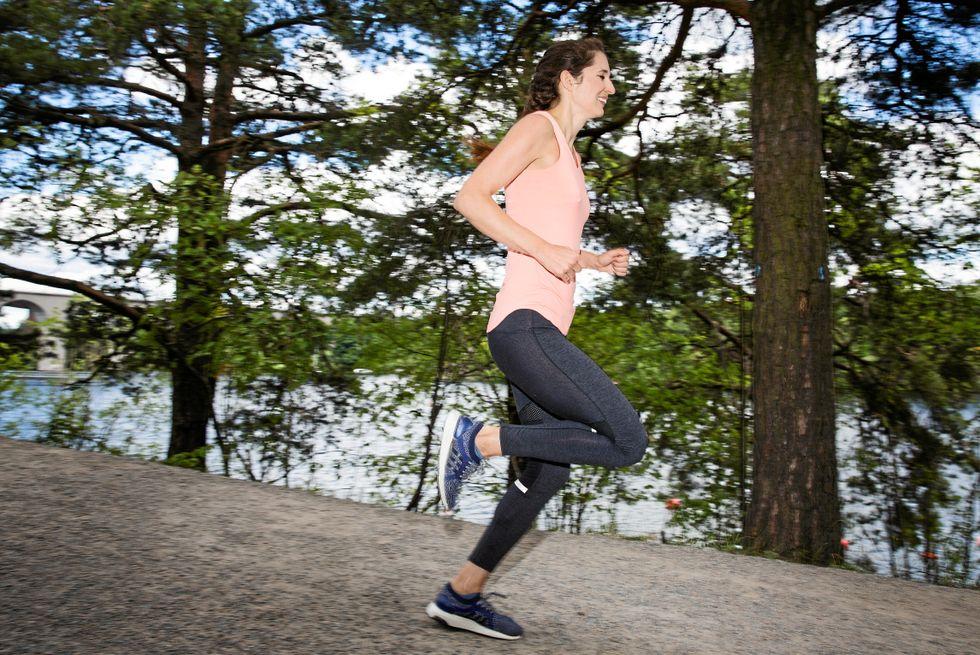 Lisa Beskow är löpcoach med flera maratonlopp i bagaget.
