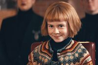Matilda Gross som Nelly Rapp.