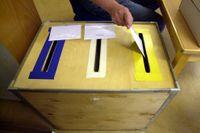 Uppemot 140 000 röster finns att vinna för partierna i utlandet.