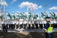 Nazistiska Nordiska motståndsrörelsen under en demonstration i Falun på första maj.