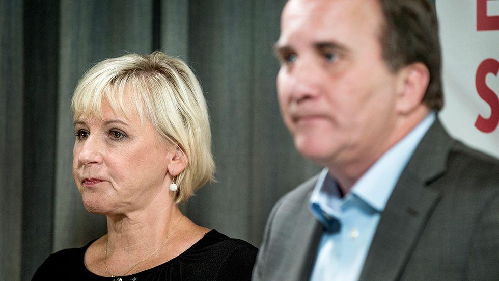 Utrikesminister Margot Wallström och statsminister Stefan Löfven tillträdde med storstilade utrikespolitiska planer – som snabbt grusats, menar SvD:s Jonas Gummesson.