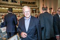 Göran Persson valdes till ny ordförande i skandaltyngda Swedbank på onsdagen.