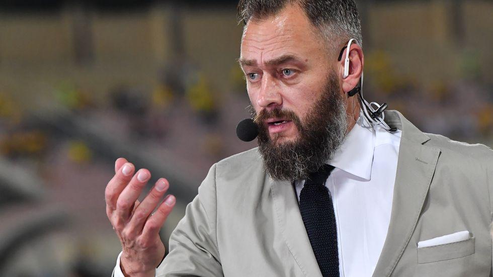 Fotbollsjournalisten Olof Lundh har skrivit en ny bok om fotbollslandslaget.
