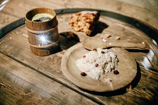 Mat som vikingarna åt. Foto: Adam Wrafter