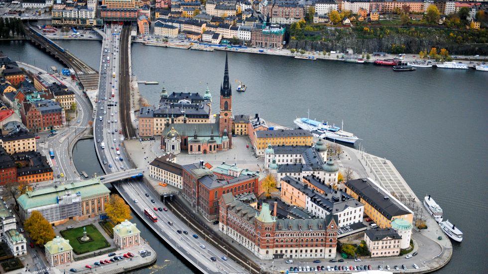 Bilar, tunnelbana och järnväg – allt ska pressas mellan Gamla stan och Riddarholmen.