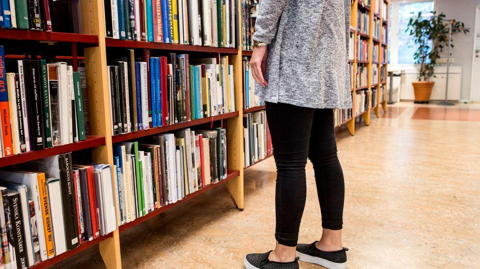 Av de 1358 bibliotekarier som svarat på enkäten uppger 16 procent att de funderat på att byta jobb på grund av social oro eller hot. Arkivbild.