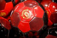 Svensken Anthony Elanga har blivit utsedd till förra säsongens bästa unga spelare i Manchester United.
