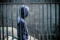 Det tog flera månader innan socialtjänsten ordnade ett skyddat boende till Nimo och hans mamma.