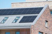 Allt fler installerar solcellspaneler. Arkivbild.