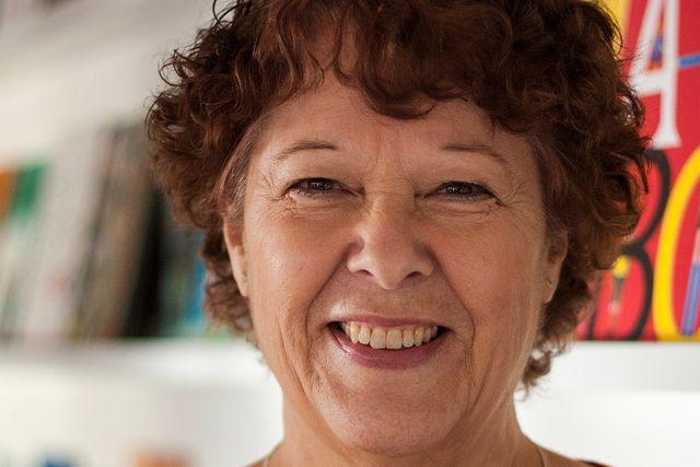 Med insikt om den sjunkande högläsningen i Sverige, och efter att ha upptäckt samma tendenser bland sina elever, bestämde sig rektorn Anna Hansson-Bittár för att göra något.