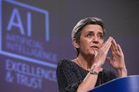 EU:s digitaliseringskommissionär Margrethe Vestager presenterade lagförslaget kring AI i Bryssel under onsdagen.