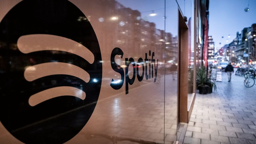 Spotify höjer nu priserna.