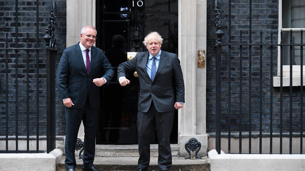Storbritanniens premiärminister Boris Johnson (till höger) med Australiens premiärminister Scott Morrison vid 10 Downing Street i London i måndags.