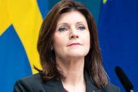 Arbetsmarknadsminister Eva Nordmark (S) uppmanar arbetslösa att studera.