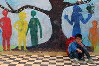 I flyktinglägret Eleonas i Aten ordnas undervisning för barn i skolför ålder.