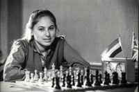 Enligt Anders Ericsson kan nästan vem som helst bli en mästare inom sitt område. På bilden Judit Polgár vars föräldrar under 1970-talet bestämde sig för att förvandla sina tre döttrar till schackmästare. Alla tre blev framstående, Judit var ungersk mästare som 12-åring och världsmästare som 15-åring.