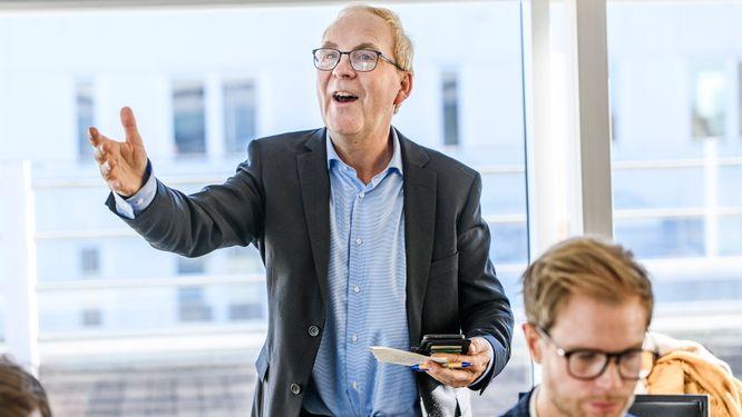 Steinar Hoel Korsmo har flera tydliga uppmaningar till årets tävlande. En av dem handlar om att samla in så många värdefulla visitkort som möjligt.