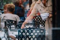 Att restriktionerna lättar och människor återgår till sina arbeten gör också att andra delar av branschen kommer i gång, som till exempel lunchrestauranger och konferensanläggningar. Då kommer det bli ännu svårare att hitta personal, säger Peter Thomelius, chef för kompetensförsörjning vid Visita. Arkivbild.
