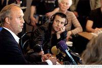 – Om jag kunde göra något ogjort hade jag druckit lite mindre och tagit en taxi hem, sade Per Bill vid presskonferensen.