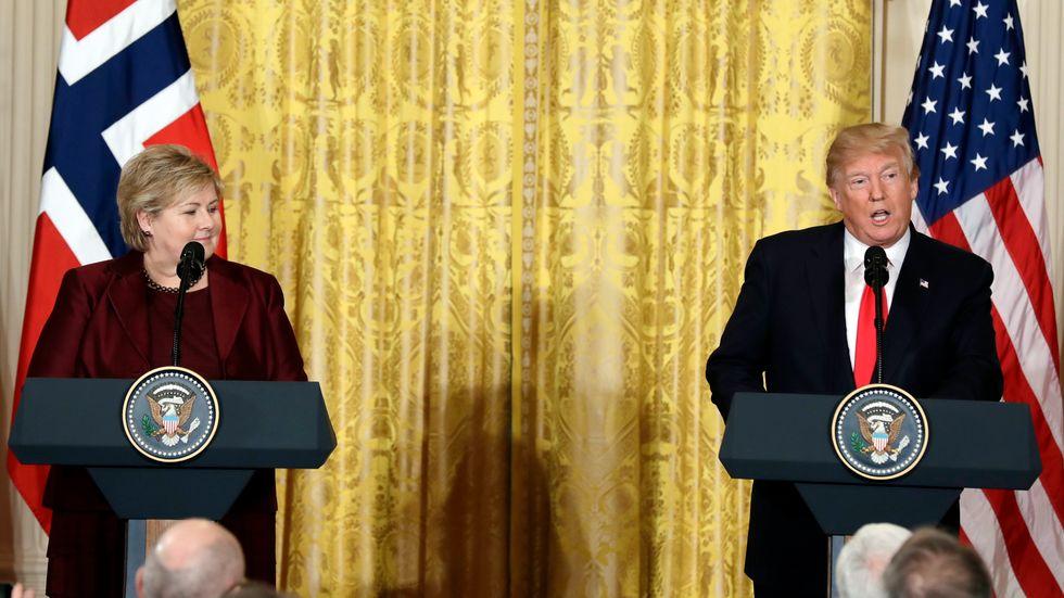 Erna Solberg och Donald Trump under en presskonferens i Vita huset.