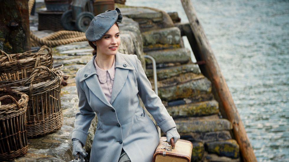Lily James som Juliet Ashton.
