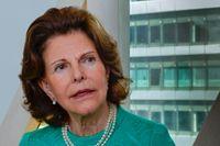 Drottning Silvia fördes på fredagskvällen till sjukhus efter att hon drabbats av yrsel.