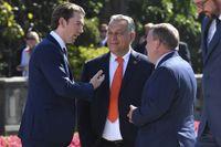 Värden för toppmötet Österrikes förbundskansler Sebastian Kurz i samtal med Ungerns premiärminister Viktor Orban och Danmarks statsminister Lars Lökke Rasmussen. (Stefan Löfven är inte i bild).