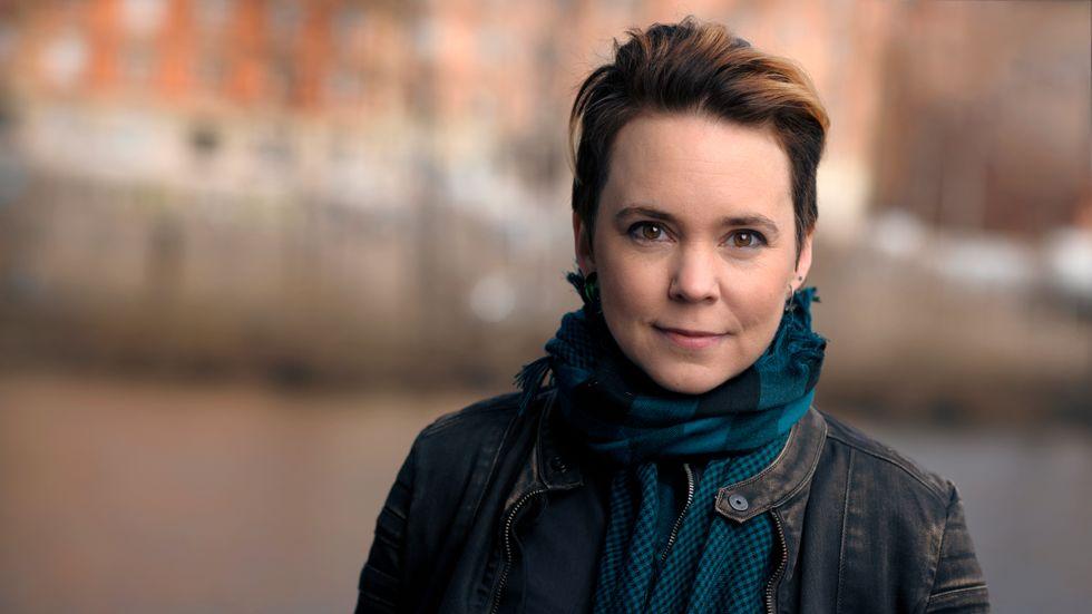 Sara Lövestam är en ambivalent språkpolis, skriver Staffan Dopping.