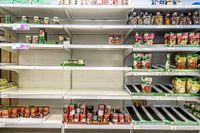 Många basvaror går åt i landets matvarubutiker.