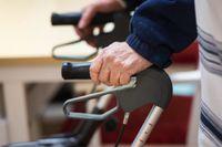 Kommunal äldreomsorg tar normalt emot många feriearbetare. Arkivbild.
