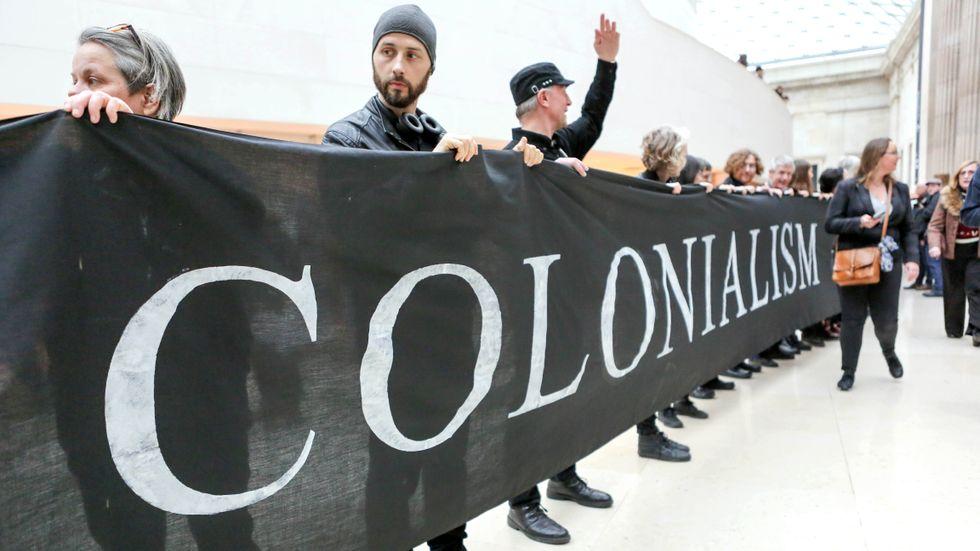 Demonstranter på British Museum protesterar mot att museet sponsras av oljebolaget BP.