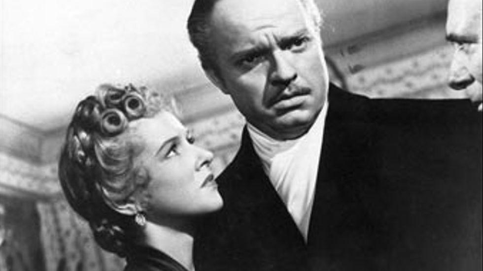 """Den amerikanska filmen """"Citizen Kane"""" har premiär i september 1942. Manuset till filmen är skrivet av Orson Welles."""