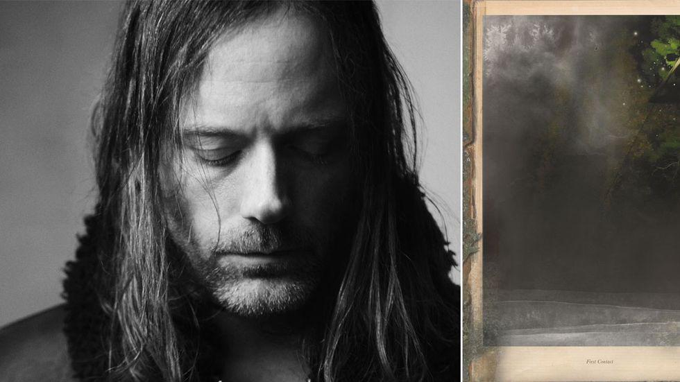 """Johannes Heldén (född 1978) är konstnär, författare, och musiker, bosatt i Stockholm. Han har skrivit tolv böcker, senast """"Astroekologi"""" som också blev performance på Dramaten."""