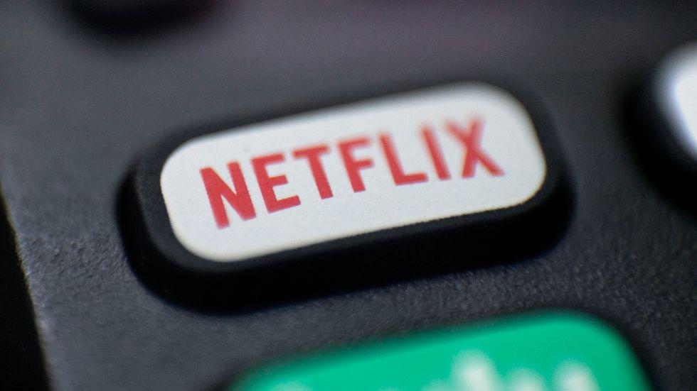 Netflix går starkt – men många uppger att de delar konton med personer utanför hushållen. Arkivbild.
