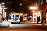 Den 23 oktober 2017 skottskadades en ung man i Rinkeby. SvD:s granskning visar att flera av de gängkriminella i Järvaområdet kunnat begå grova brott samtidigt som de stått under tvångsvård.