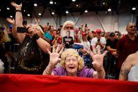 Trumpsupportrar jublar under ett kampanjmöte i Las Vegas i september.