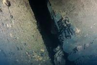 Bild ur ny dokumentärserie på ett hål i skrovet på Estonia, som sjönk 1994.