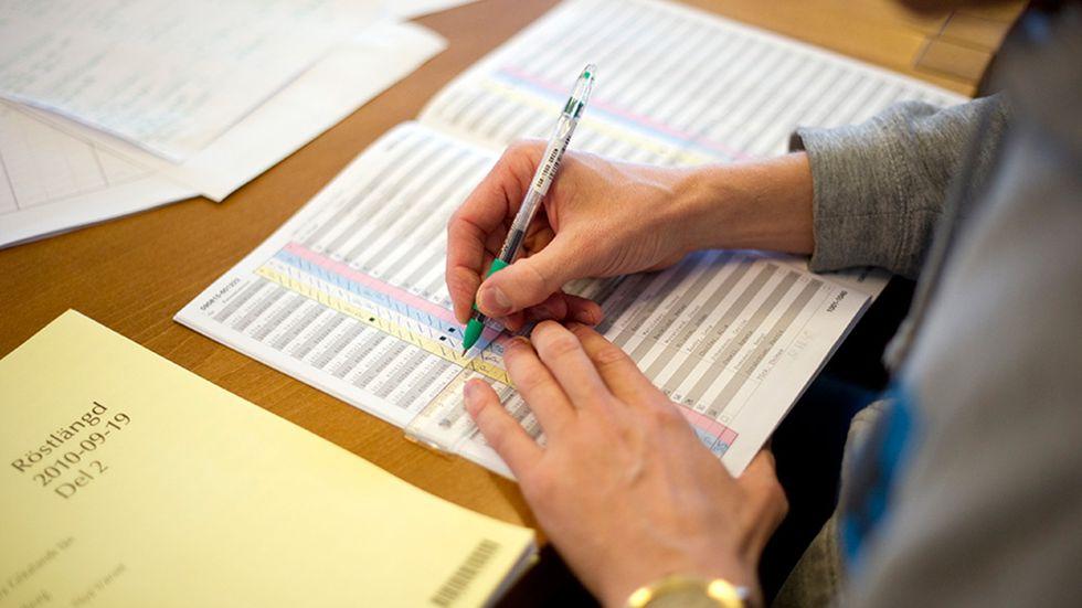 Räkning av förtidsröster i Göteborg 2010.