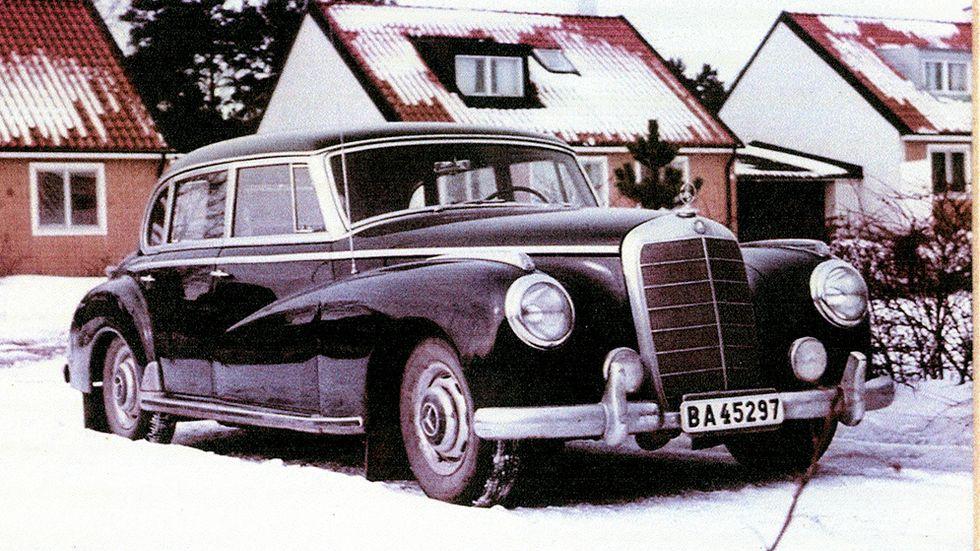 MB 300 kallades för Adenauer-Mercedesen – eftersom BRD:s förste kansler Konrad Adenauer nötte baksätet i en. Priset? 2000 kronor.