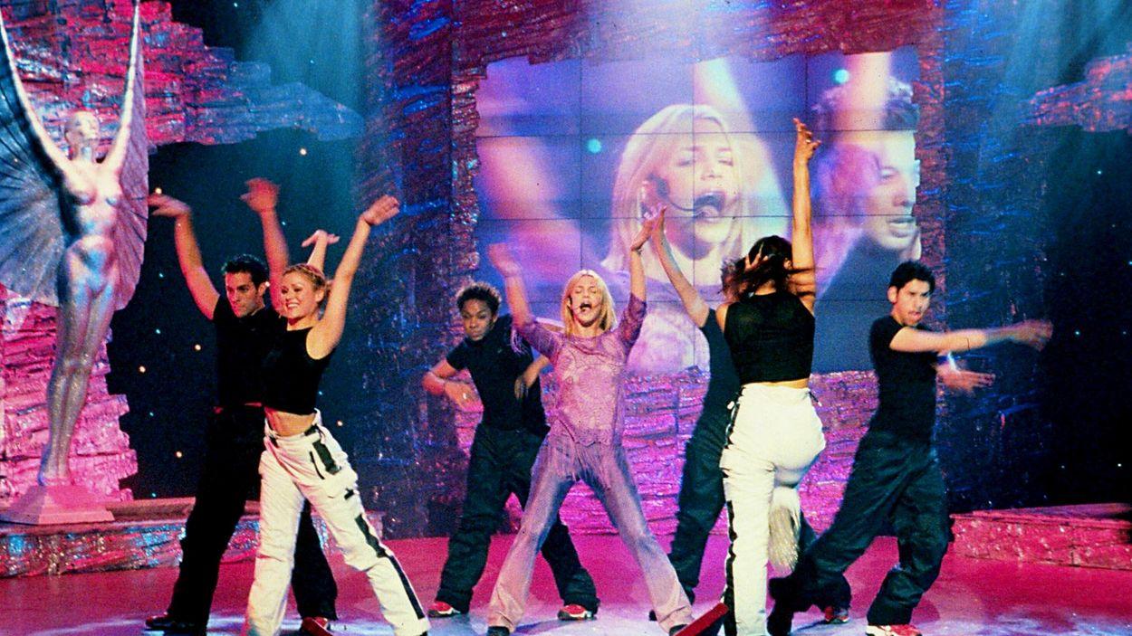 Britney Spears på scenen i London 1999.